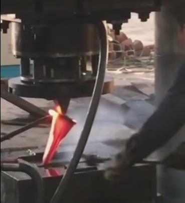 3000吨斗齿锻造液压机